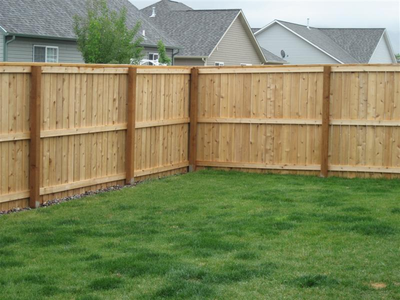 How To Build A Fence With Some Common Ways