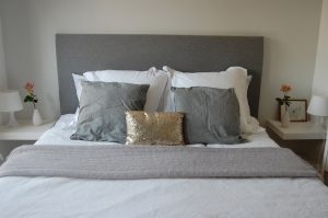 how to build a headboard
